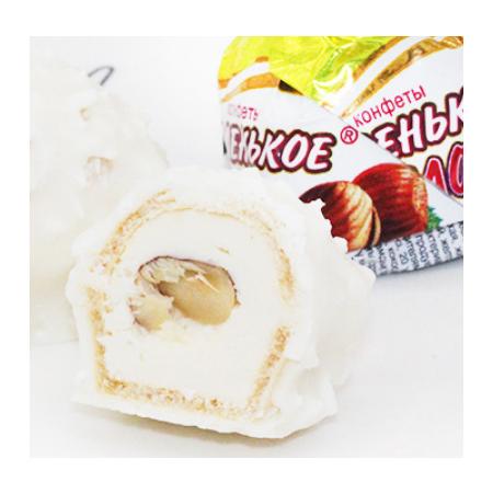Imported Russian candy Slavic yellow milk can sugar hazelnut sandwich sugar .Milk can sugar 8 packets per box, 500 grams per packet