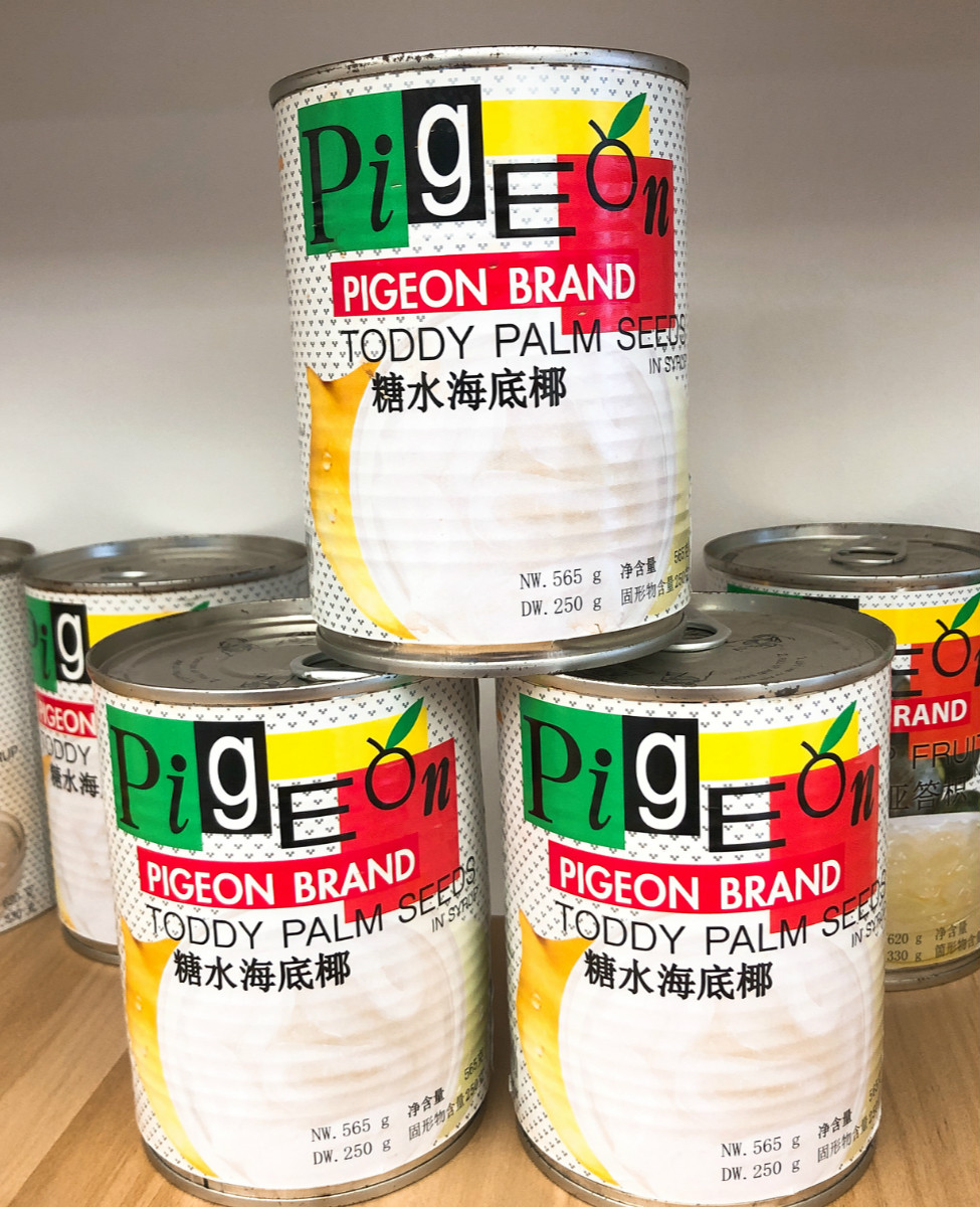 White Pigeon Brand Thailand imported sugar water, coconut canned food.