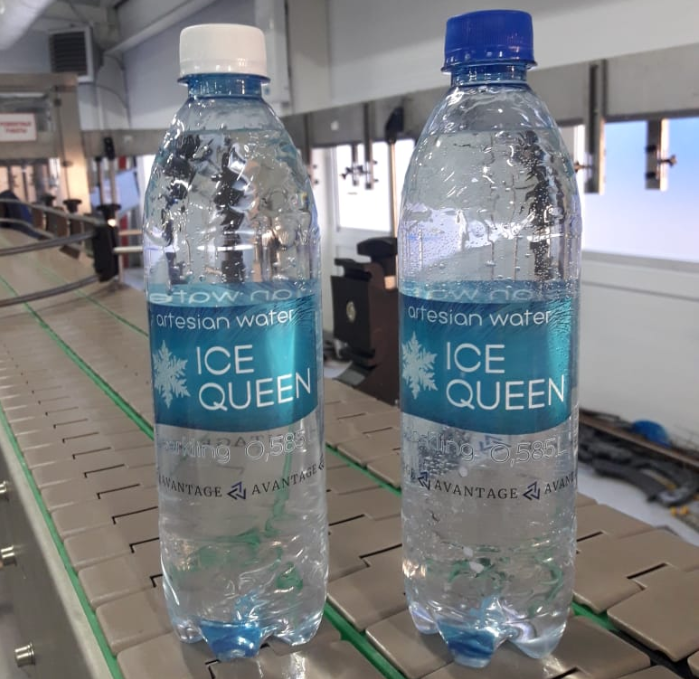 Drinking mineral sparkling water ICE QUEEN 0,585 liters