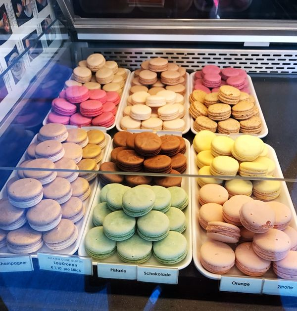 Want to buy Macarons Biscuit