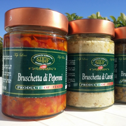 BRUSCHETTA OF PEPPERS red and yellow peppers Sauce condiment , Italy